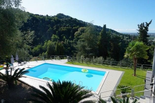 Villa auf 3 Ebenen mit Meerblick und Pool